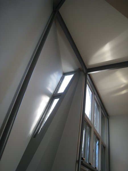 """looking SW: afternoon light through """"tweezers"""".    Photo 10 of metalHOUSE(2) modern home"""