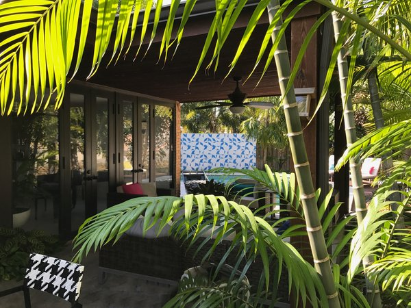 Modern home with outdoor. Mid-Century Modern home and Garden Photo 8 of Mid-Century Modern Bungalow