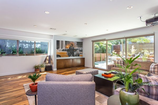 Photo 3 of Venice Beach Trophy Residence modern home