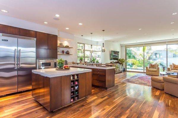 Photo 4 of Venice Beach Trophy Residence modern home