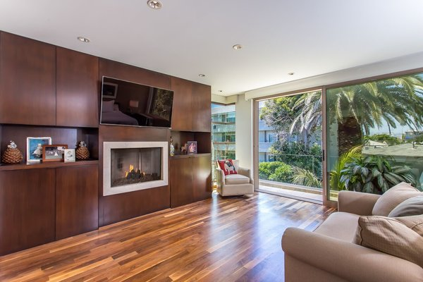 Photo 6 of Venice Beach Trophy Residence modern home