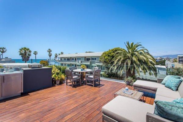 Photo 7 of Venice Beach Trophy Residence modern home