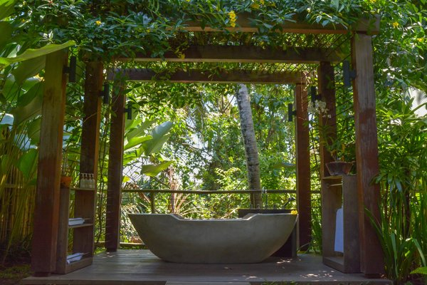 Semi Opened Sky Bathroom will feel you immerse in the Jungle Photo 17 of Villa Lumia Bali modern home