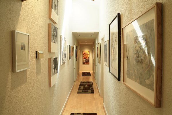Hallway Art Gallery Photo 10 of Bailey/Friedlander House-Robert Greene Designed modern home