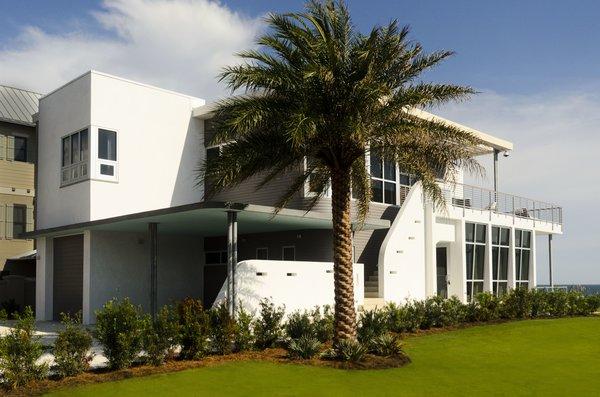 Photo 2 of Viridian Seagrove Residence modern home