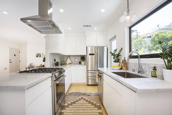 Photo 5 of Silverlake on Riverside Terrace modern home