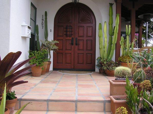 Modern home with outdoor. Photo 9 of Avenida de los Alamos