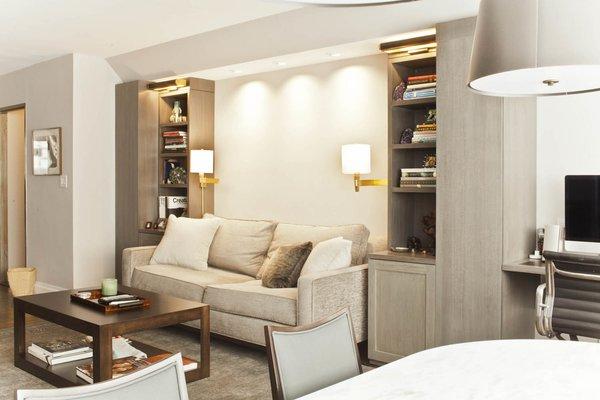 Photo  of Custom Living Rooms modern home