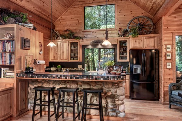 Modern home with kitchen. www.SnohomishEquestrianLodge.com Photo 8 of Snohomish Equestrian Lodge