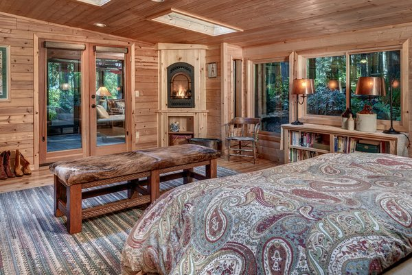 www.SnohomishEquestrianLodge.com Photo 10 of Snohomish Equestrian Lodge modern home