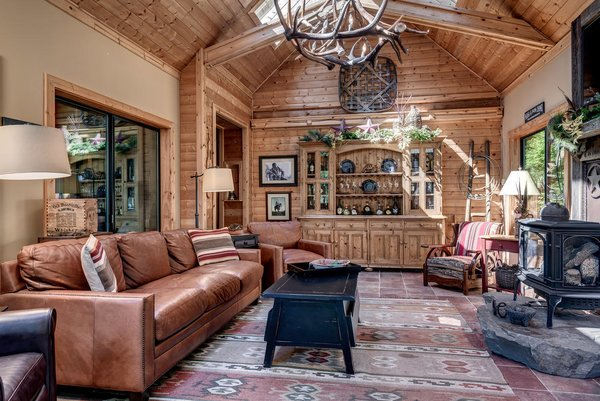 www.SnohomishEquestrianLodge.com Photo 16 of Snohomish Equestrian Lodge modern home