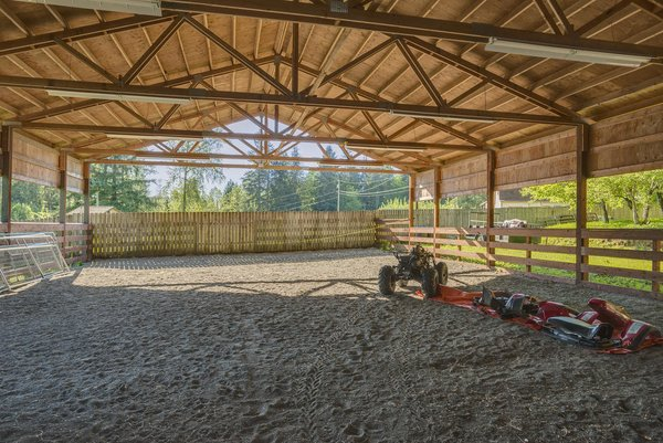 www.SnohomishEquestrianLodge.com Photo 18 of Snohomish Equestrian Lodge modern home