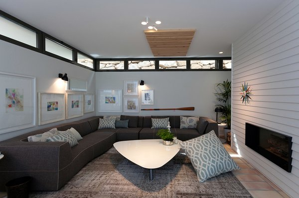 Interior living space , with ceiling windows for light & ventilation. Photo 6 of Casa El Bosque modern home