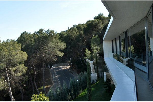 Modern home with windows. VIEW FROM THE BEDROOM RIBBON WINDOW Photo 9 of Casa Klamar