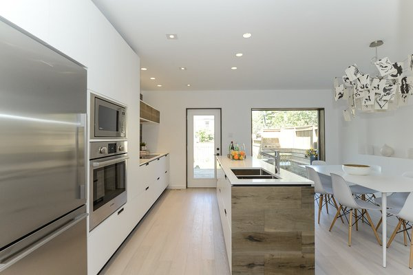 Photo 11 of 34L modern home