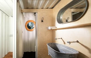 A Mobile Boutique Hotel For the Modern Traveler Made From Shipping Containers - Photo 10 of 14 -