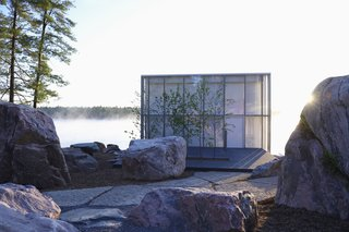 This Mesmerizing Glass House Is Also a Photographer's Lakeside Studio - Photo 11 of 13 -