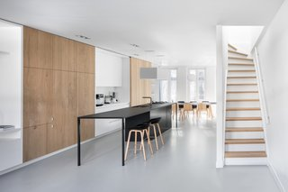 A Cramped Amsterdam Apartment Is Transformed Into an Airy Loft - Photo 2 of 9 -