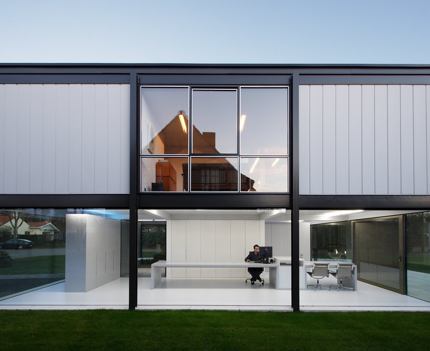 A Fantastic Renovation in Belgium Rescues a Bauhaus-Inspired Home