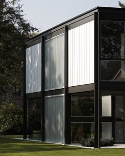 A Fantastic Renovation in Belgium Rescues a Bauhaus-Inspired Home - Photo 3 of 11 -