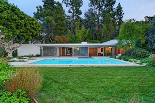Richard Neutra's Stunning Loring House Is Listed For $5.6M