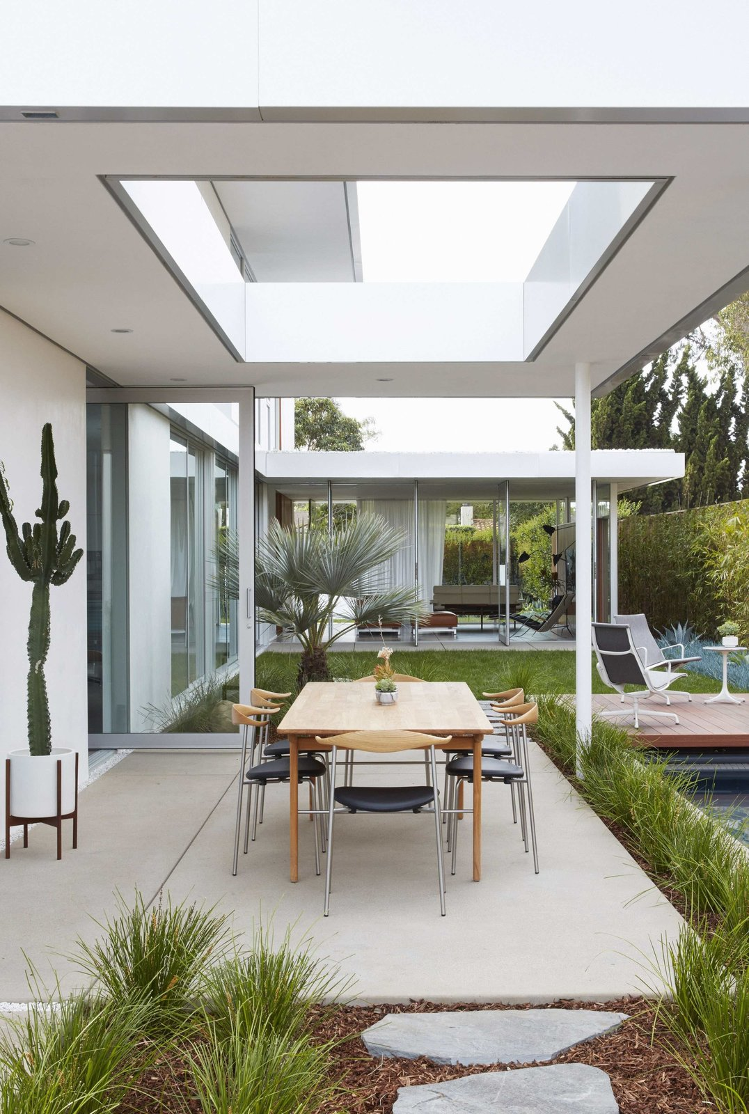 Tagged: Outdoor, Back Yard, Grass, Trees, Gardens, Walkways, Hardscapes, and Concrete Patio, Porch, Deck.  Santa Monica Residence by www.MidcenturyModern.LA