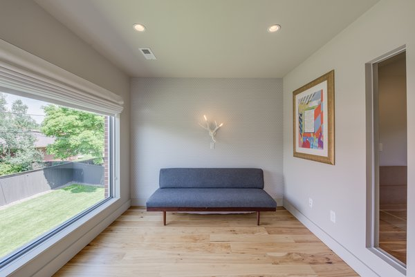 Modern home with bedroom. Master Sitting Area Photo 7 of The Ryan House