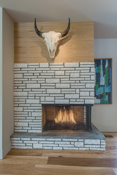 Modern home with dining room. Fireplace Photo 14 of The Ryan House