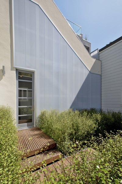 Modern home with outdoor, shrubs, back yard, and hardscapes. Photo 6 of LEED Platinum House in SF