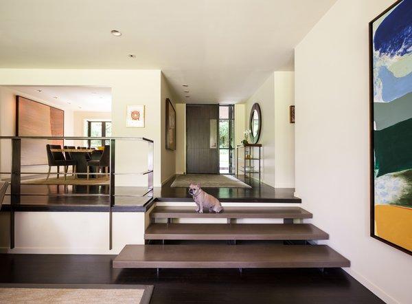 Modern home with living room. Medina Residence Photo 5 of Medina Residence