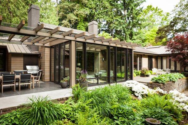 Modern home with outdoor. Medina Residence Photo 13 of Medina Residence