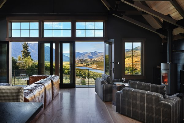 Modern home with living room. Manson Barn by SkB Architects Photo 11 of Manson Barn
