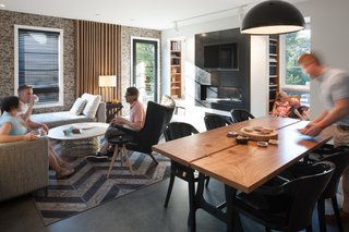 Top 5 Homes of the Week With Stunning Black, White, and Gray Facades - Photo 6 of 10 -