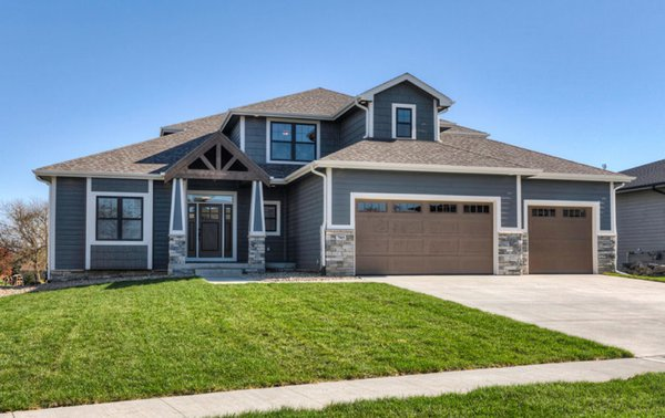 Modern home with outdoor and front yard. Photo 4 of Dynasty Partners Home
