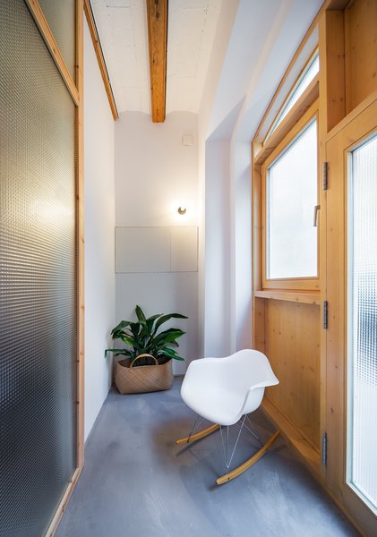 Modern home with hallway. Photo 6 of Can Ghalili