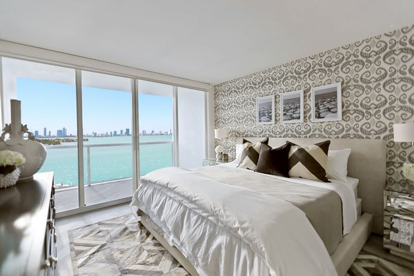 Modern home with bedroom. Photo 5 of The Big Fish