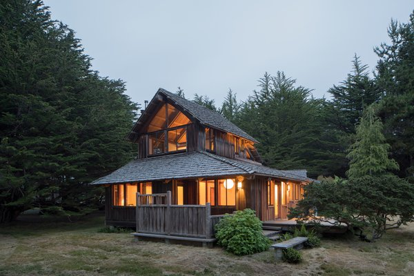 Modern home with outdoor. Photo 5 of Hinoki House