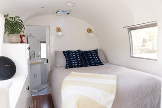 See How an Oregon Couple Renovated Their 1966 Airstream - Photo 12 of 24 -