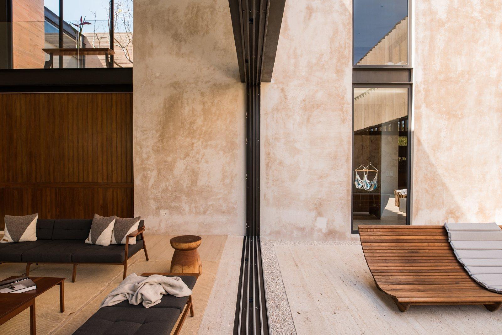 Interior / Exterior Casa Chaaltun by tescala