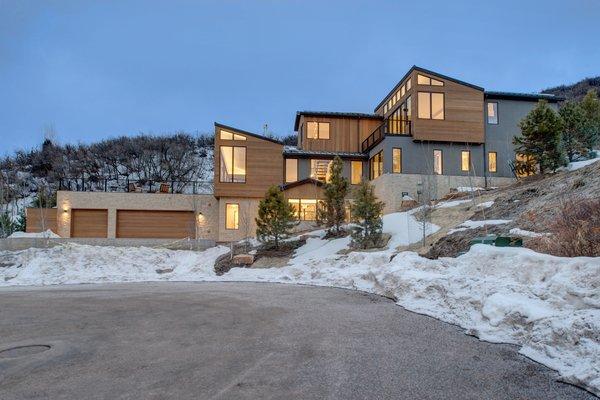 Modern home with outdoor. Photo 2 of Saddleback Lane