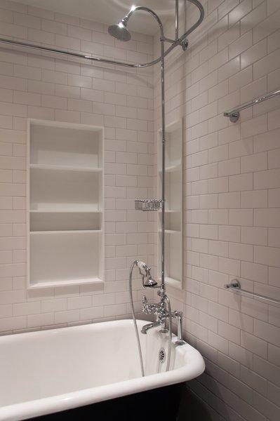 Modern home with bath room. Master Bath Detail Tub Photo 8 of Cherokee Loft