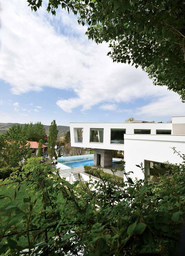 Tagged: Outdoor. Lavasan Villa by Hariri & Hariri Architecture