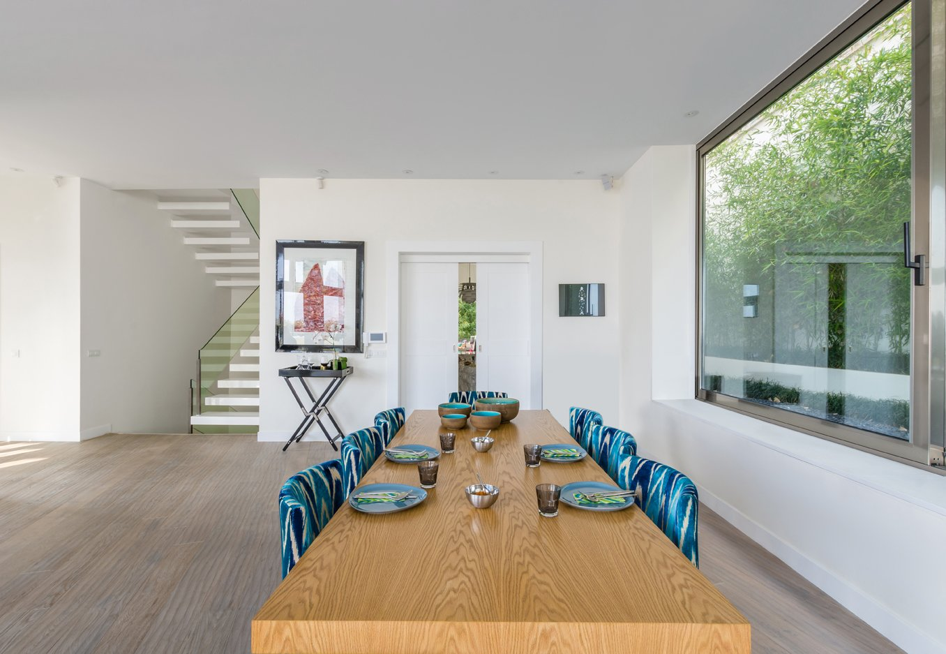 Tagged: Dining Room, Chair, and Table.  Lavasan Villa by Hariri & Hariri Architecture