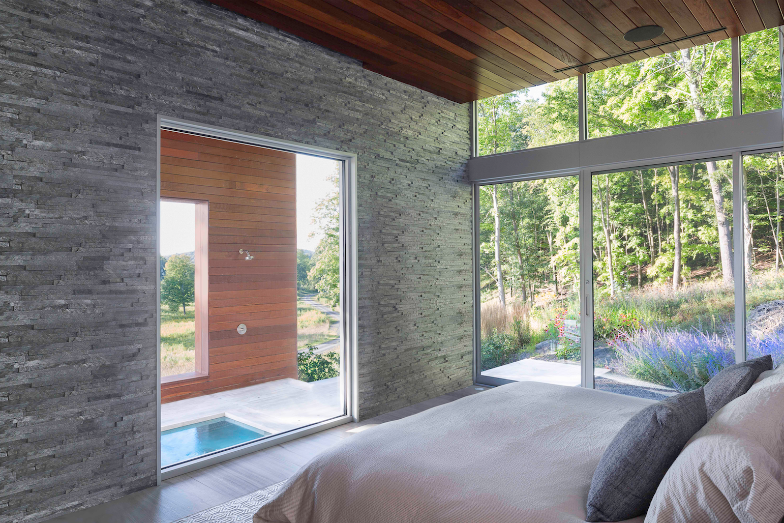 Tagged: Bedroom and Bed.  Taghkanic House by Hariri & Hariri Architecture