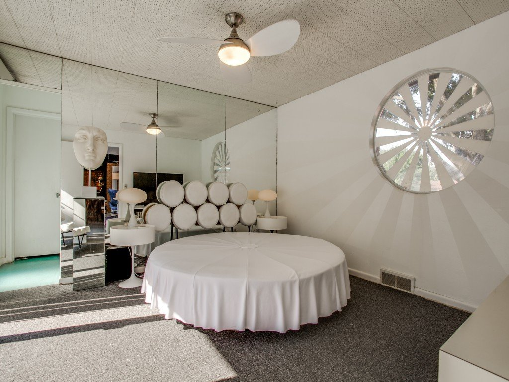 Tagged: Windows and Wood.  Candy-Colored Mid-Century Modern Throwback by Zillow