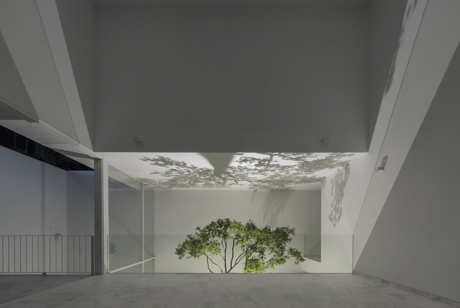 Tagged: Shed & Studio and Living Room.  The Cave by Abraham Cota Paredes