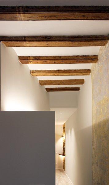 Photo 6 of ASSAONADORS FLAT by Ros+Falguera Arquitectura modern home