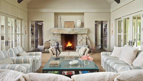 Modern home with living room. Mutiny Bay Photo 3 of Mutiny Bay