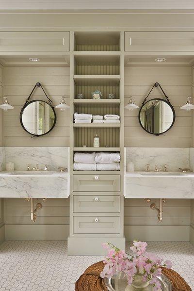 Modern home with bath room. Mutiny Bay Photo 10 of Mutiny Bay