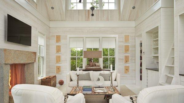 Modern home with living room. Mutiny Bay Photo 13 of Mutiny Bay